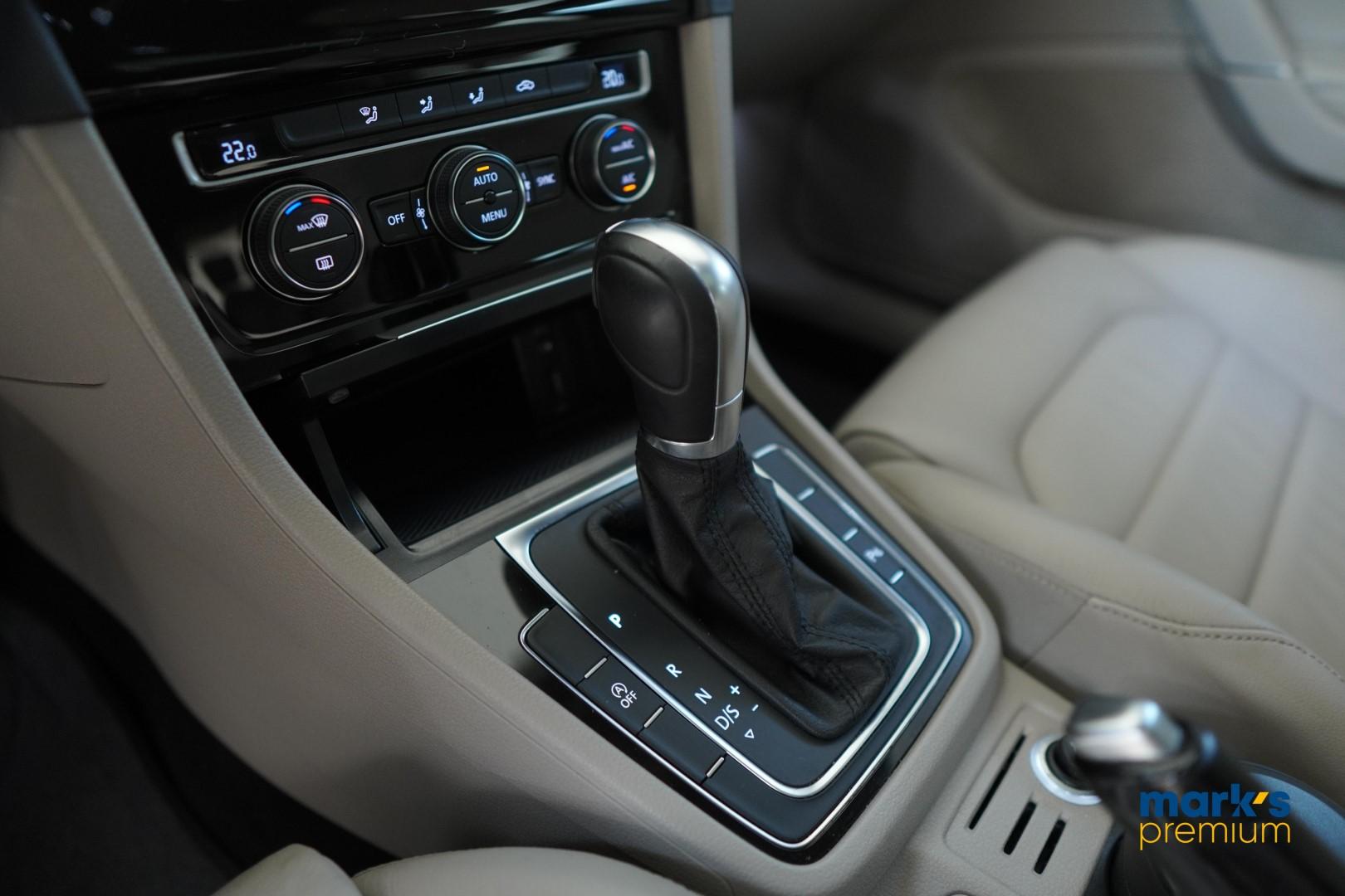 Foto do veículo Volkswagen Golf